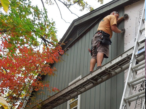Traditional Cedar siding installation project photo in Rolling Meadows