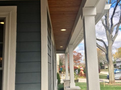 James Hardie fiber cement siding installation in Northbrook project photo 9