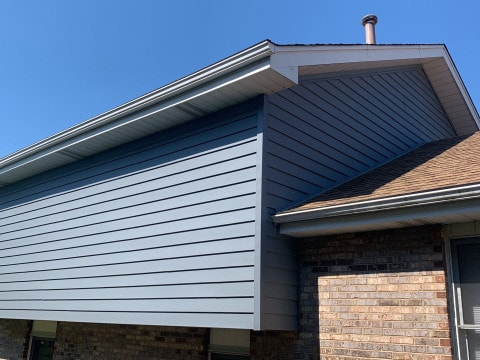 Royal vinyl Insulated & Shake and Shingles siding installation in Lemont project photo 4