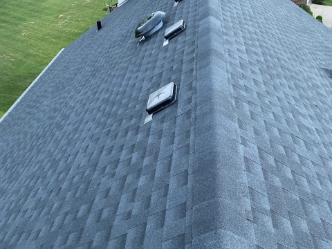 Shingle roof replacement in Willow Springs project photo 4