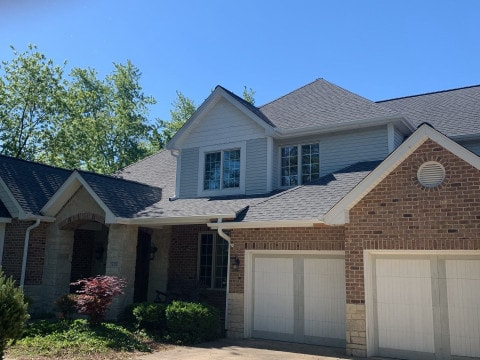 Shingle roof replacement in Willowbrook project photo 1