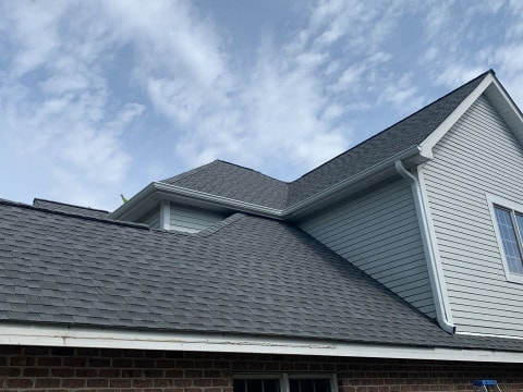 Shingle roof replacement in Willowbrook project photo 2