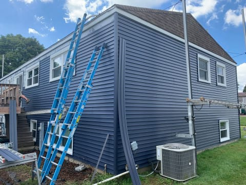New vinyl siding installation in Bolingbrook project photo 3